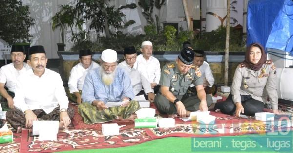Halal Bihallal Dan Istiqosah Warga NU dan Forkompinda Di Pendopo Pati
