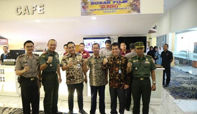 WABUP SAIFUL ARIFIN  BERSAMA POLRI TNI SINEGRITAS NOBAR BIOSKOP PASAR PRAGOLO